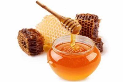 мед содержит 100, а некоторые виды 300, биологически активных веществ