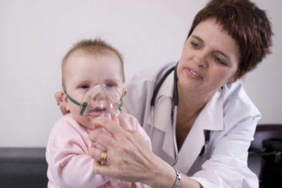 после стабилизации температуры и снятия острых симптомов пневмонии назначается массаж