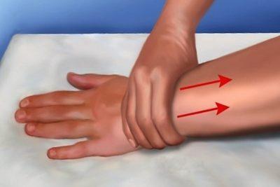 против отеков выполняют специальный массаж и физиотерапевтические процедуры