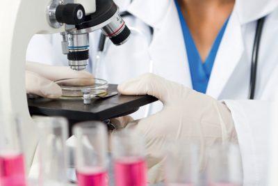 делают анализ крови клинический и биохимический, бактериологический посев мокроты