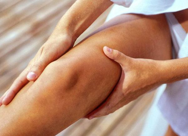 Боль в колени