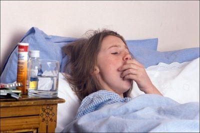 в зависимости от состояния больного пневмония может протекать в легкой форме, быть средней тяжести или тяжелой