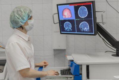 локализоваться очаг поражения может в височной части, теменной, лобной доле, мозжечке