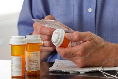 менингит лечится в стационарных условиях при помощи антибиотиков, витамина В, аскорбиновой кислоты