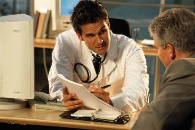 в большинстве больниц врач узкой специализации принимает только по направлению от терапевта