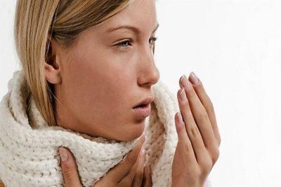 основным симптомом заболевания является упорный кашель