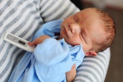 пневмония у новорожденных – инфекционное заболевание, поражающее легкие при появлении на свет или внутриутробно