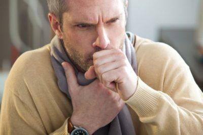 воспаление легких может быть выявлено в любом возрасте, раковые опухоли чаще всего встречаются у людей старше 50 лет