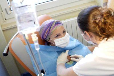 лечение рака легких проводят несколькими способами, одним из которых является химиотерапия