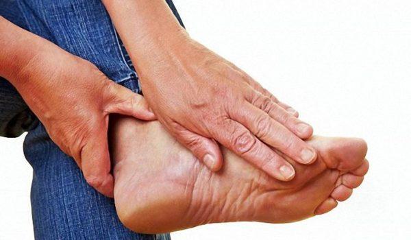 Воспаление сустава большого пальца на ноге лечение в домашних условиях